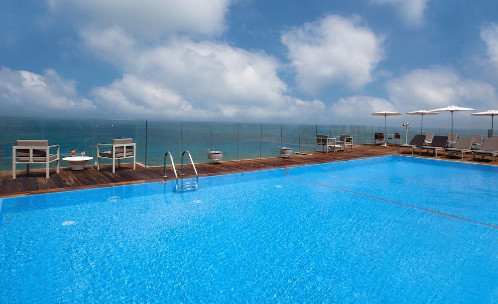 Carlton Tel Aviv Hotel