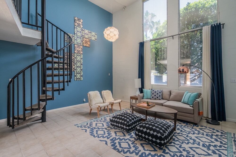 Airy 2BR Townhome in North PHX by WanderJaunt