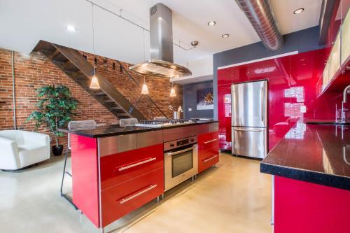 Modern Design High End 1BD Loft
