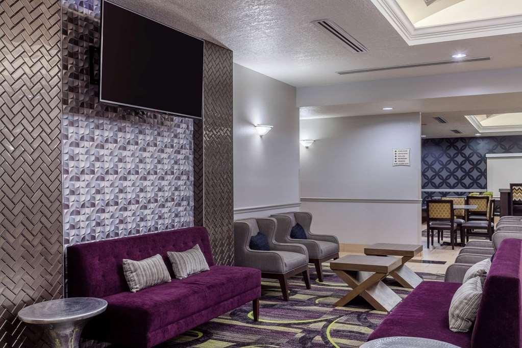 Gallery image of La Quinta Inn & Suites by Wyndham Port Orange Daytona