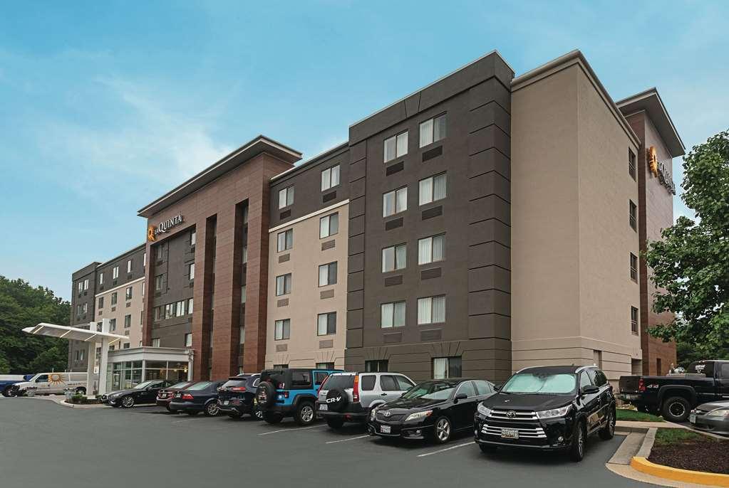 La Quinta Inn & Suites by Wyndham Baltimore BWI Airport