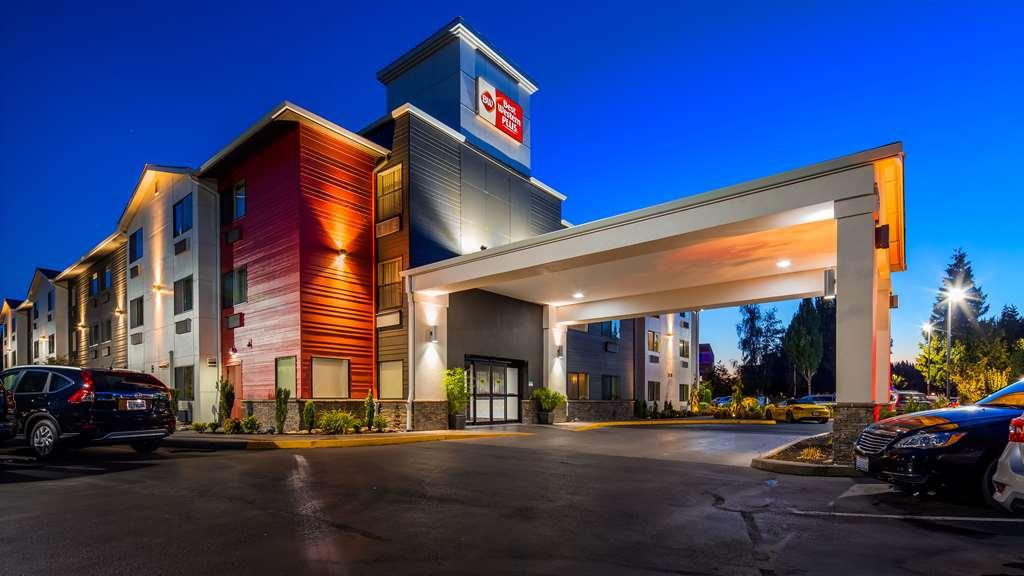 Best Western Plus Portland Airport Hotel & Suites
