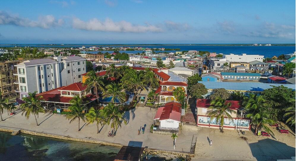 Gallery image of Sunbreeze Hotel