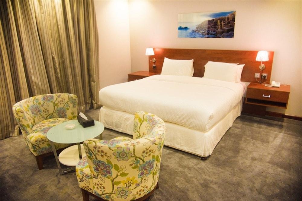 Carawan Hotel Jeddah Al Naeem Near Al Danube Market in Madina Road