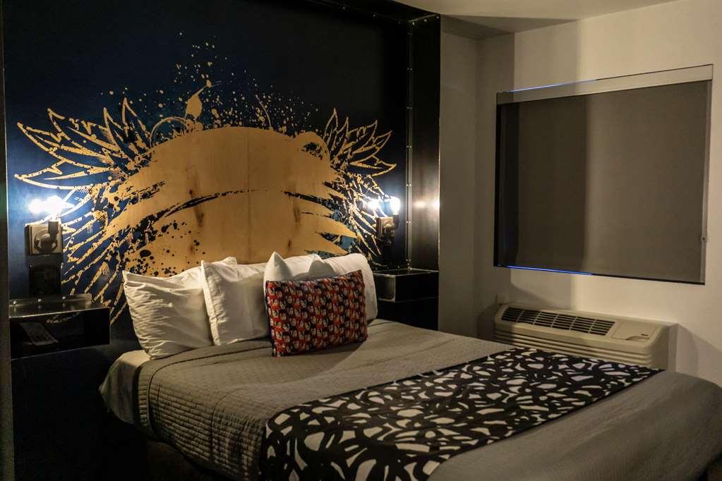 Gallery image of SureStay Hotel by Best Western Phoenix Downtown