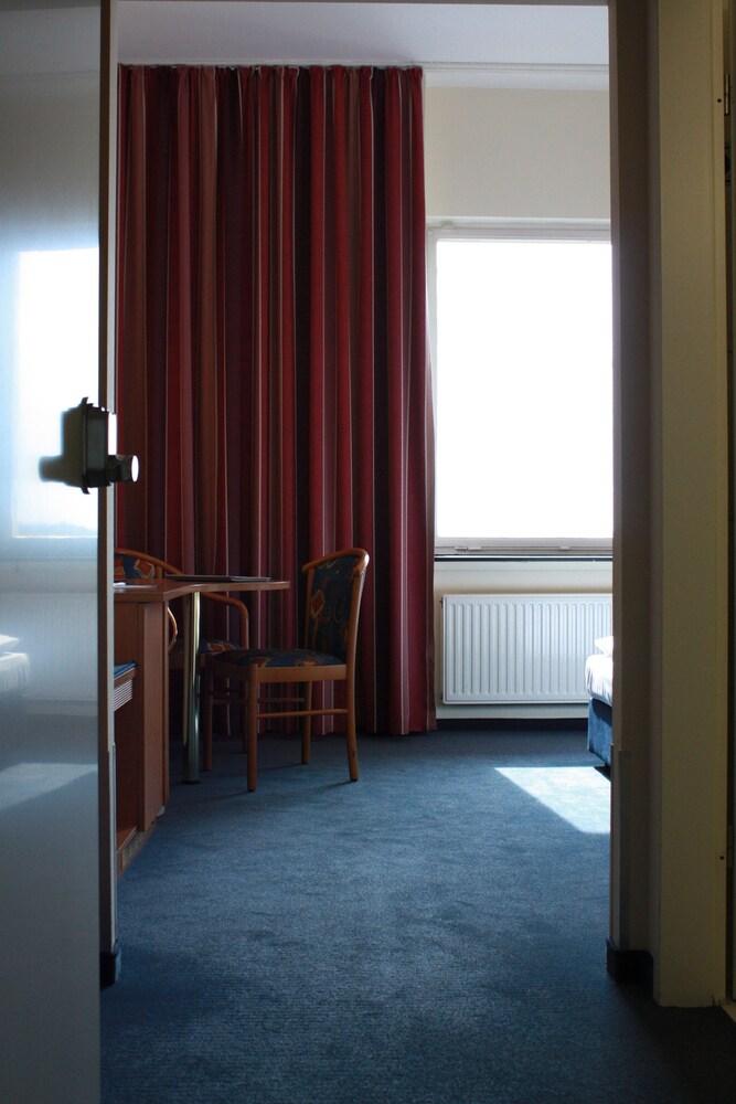 Gallery image of Hotel de France