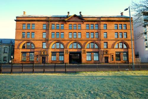 Terracotta Glasgow City Centre Apartment