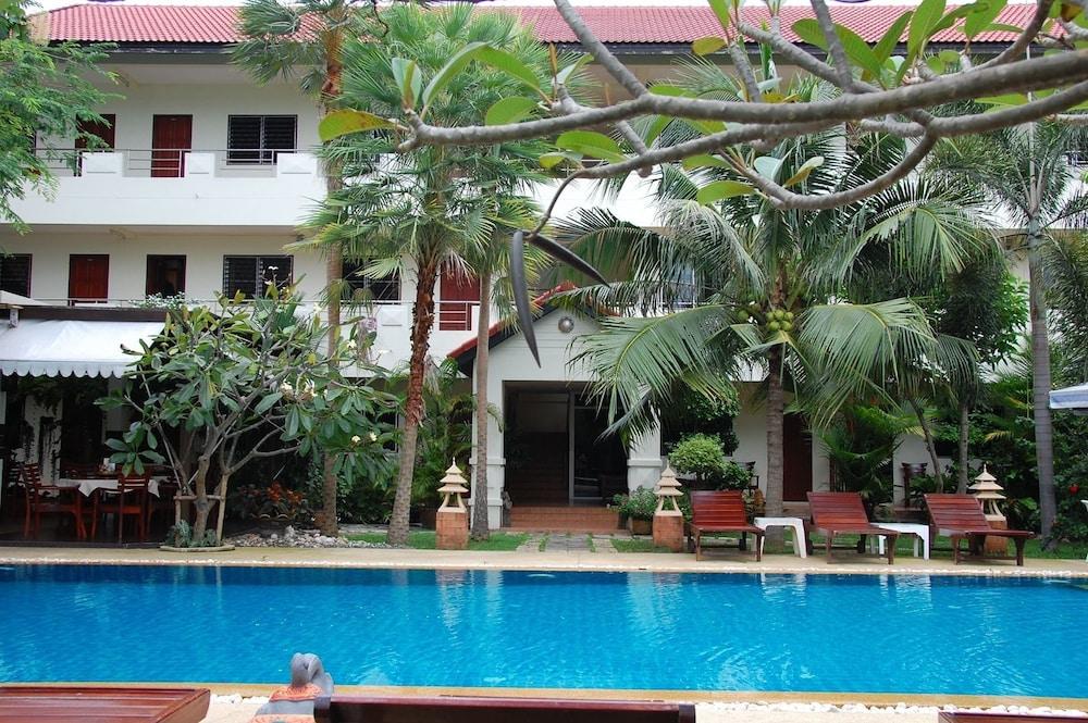 Sirikarn Residence & Luxury Apartments