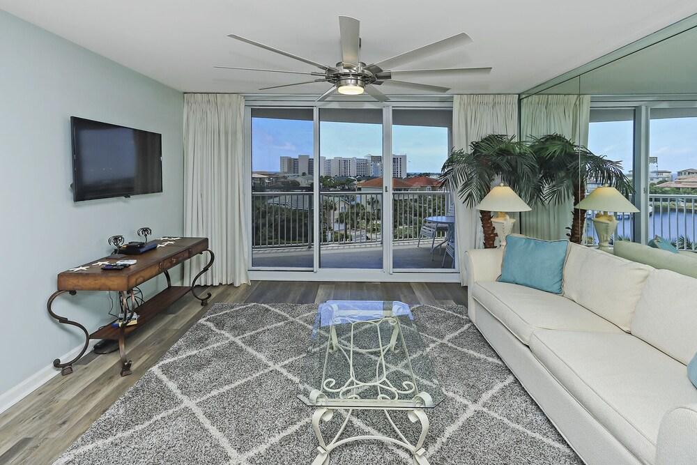 The Terrace @ Pelican Beach 402 1359837 2 Bedroom Condo