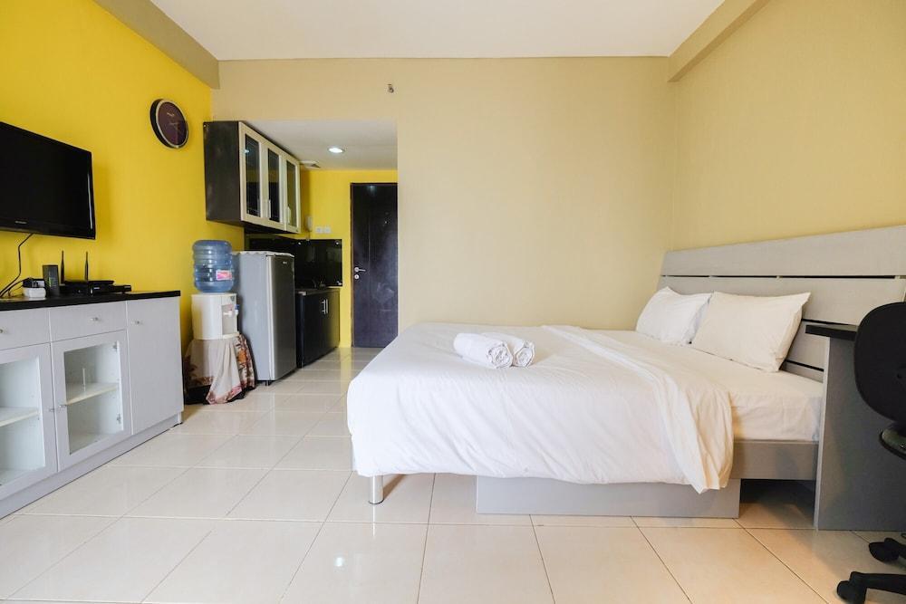 Pool View Studio Apartment Tamansari Sudirman
