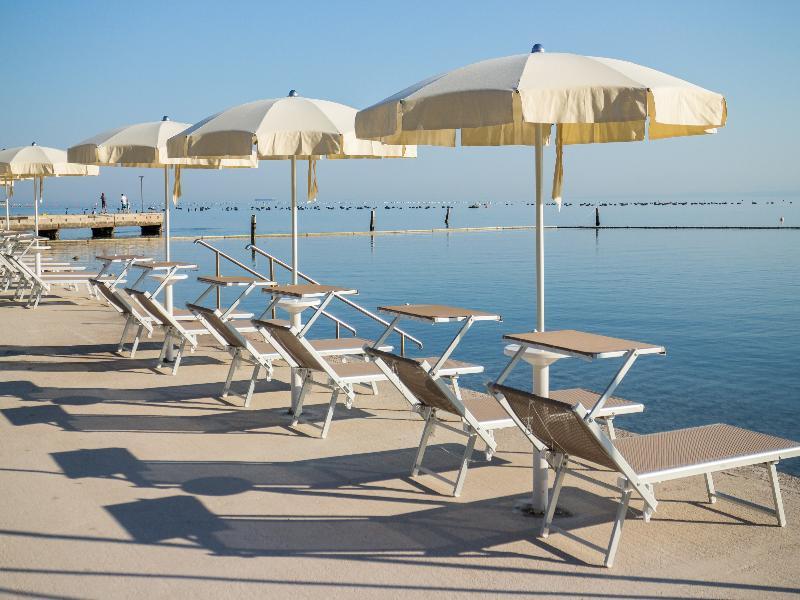 Dependences San Simon Resort