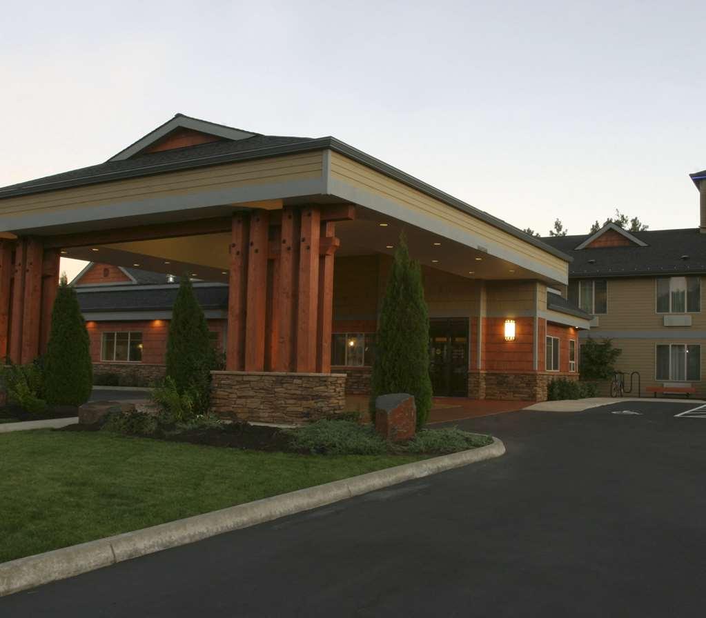 Gallery image of Best Western Plus Snowcap Lodge