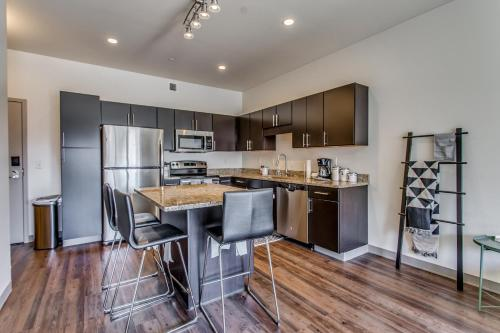 Luxurious Strip District Apartments with Lavish Amenities
