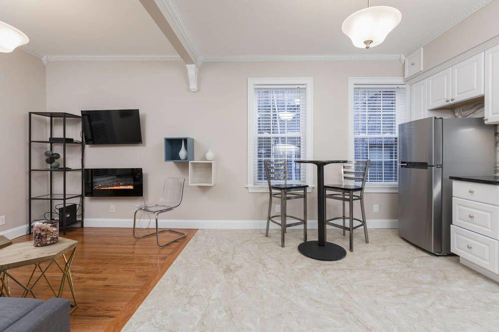 Newly Decorated 2BR in North End little Italy