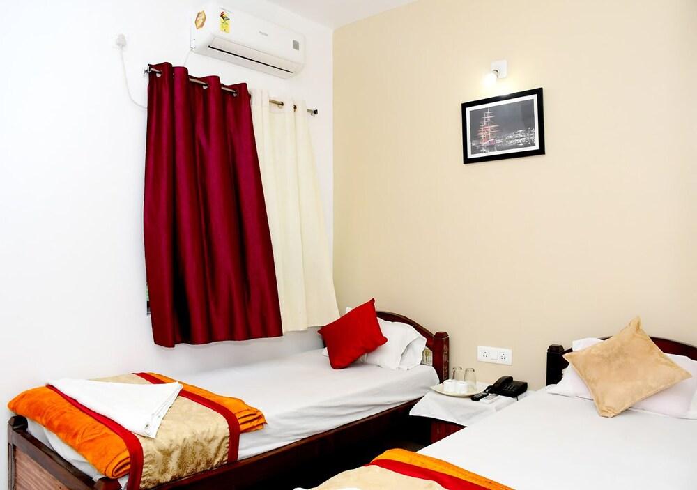 Gallery image of Satiya Guest House
