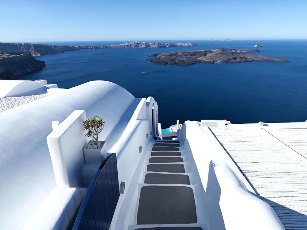 Chromata Santorini Hotel The Leading Hotels Of The World