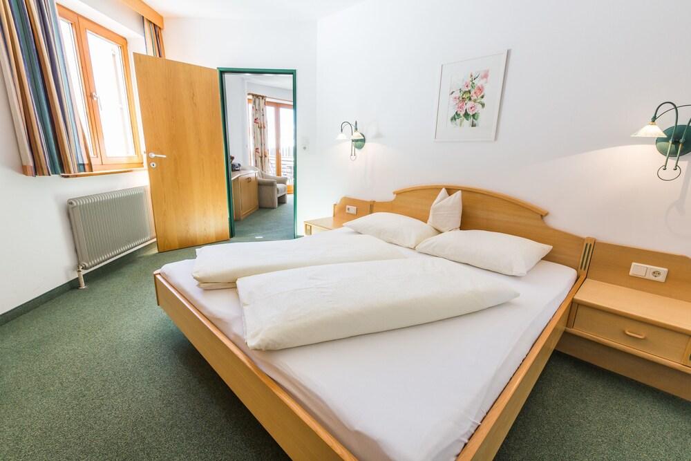 Gallery image of Dorfkrug Appartements