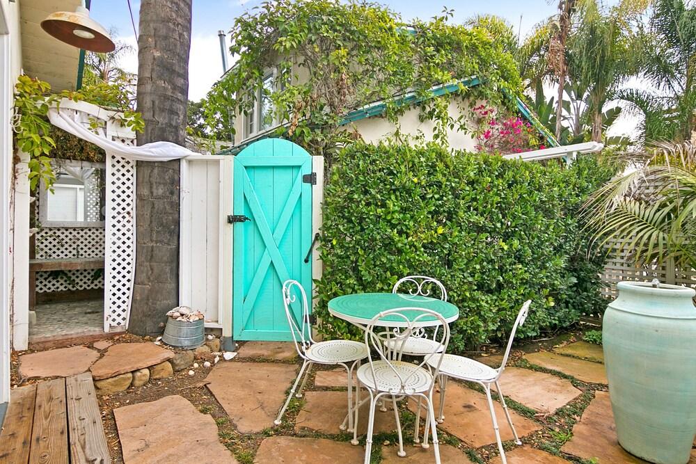 Romantic Studio Near Beach Studio Bedroom Cottage