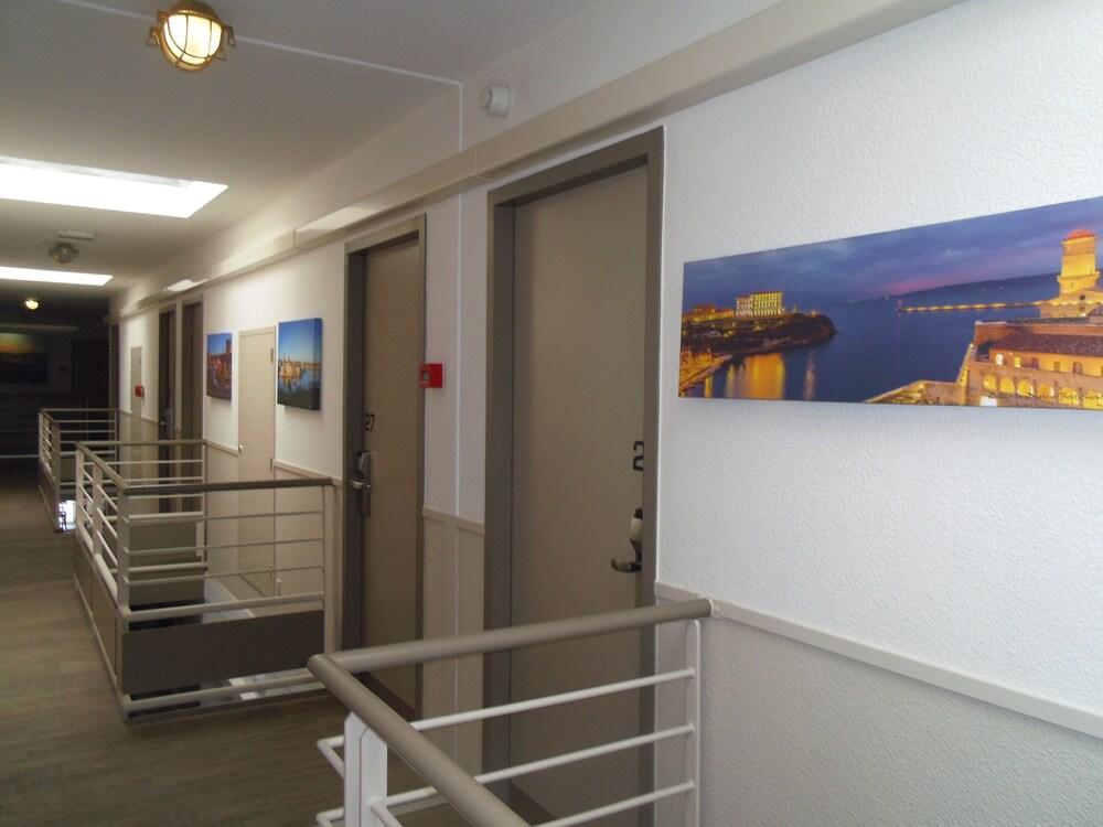 Gallery image of Stars Marseille