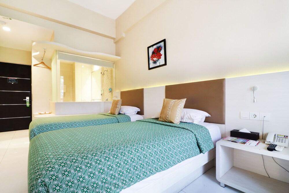 Gallery image of Dewarna Hotel & Convention