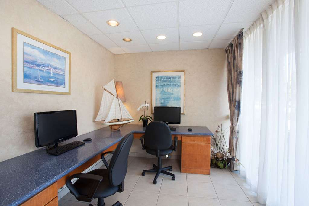 Gallery image of Travelodge by Wyndham Monterey Bay