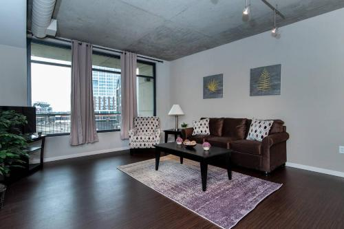 Retreat to Charming Downtown Flat