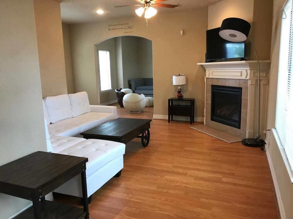 Entire Premium Spacious Luxury Home