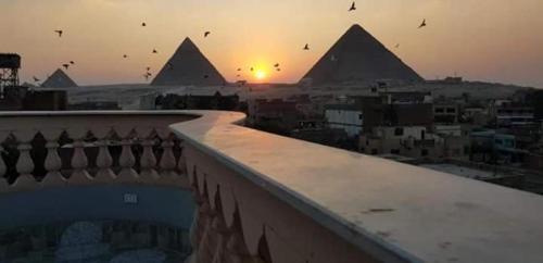 Faraon Pyramids View Ln