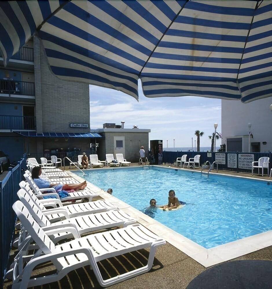 Gallery image of Belvedere Beach Resort