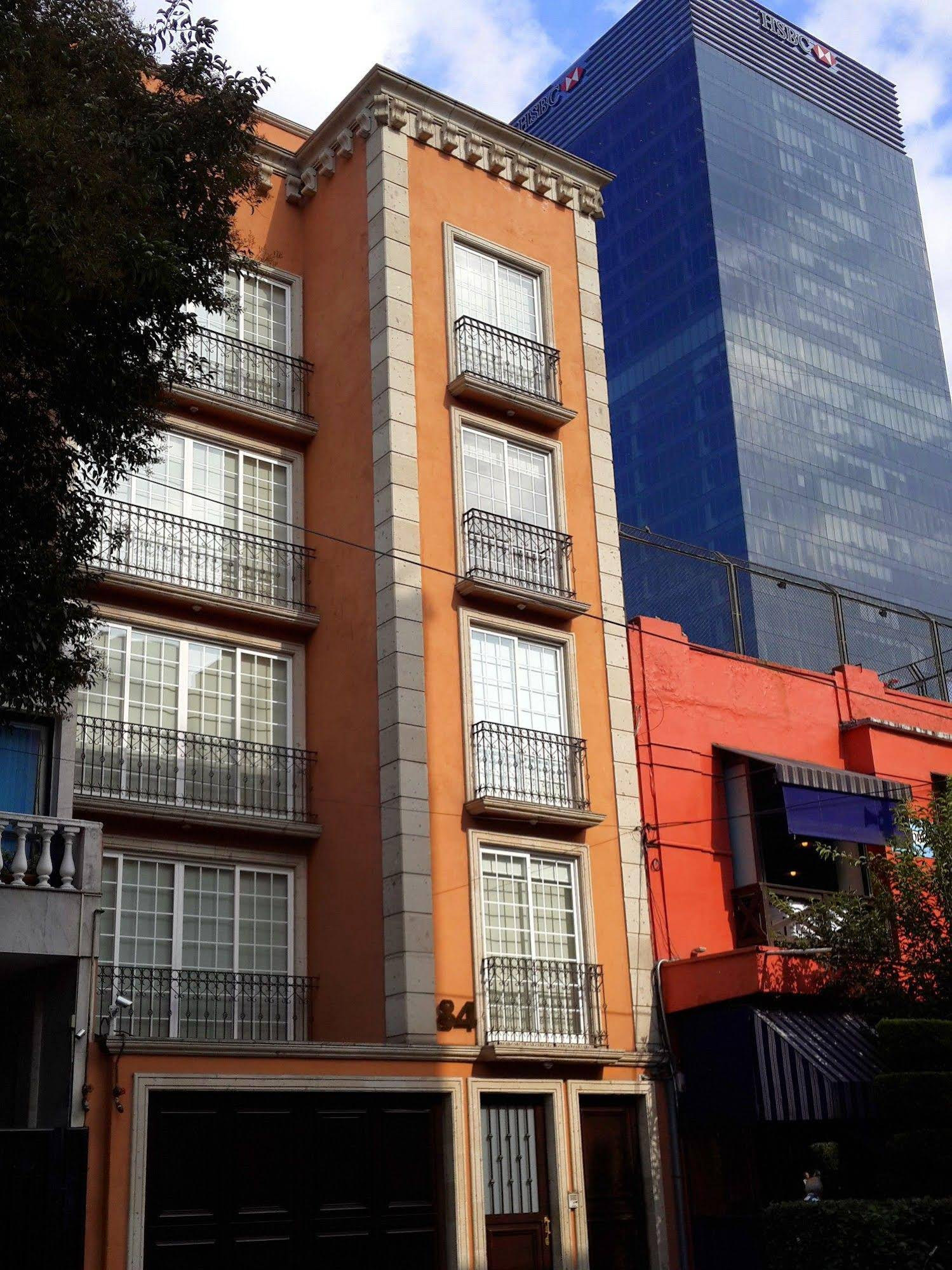 Reforma Guest House