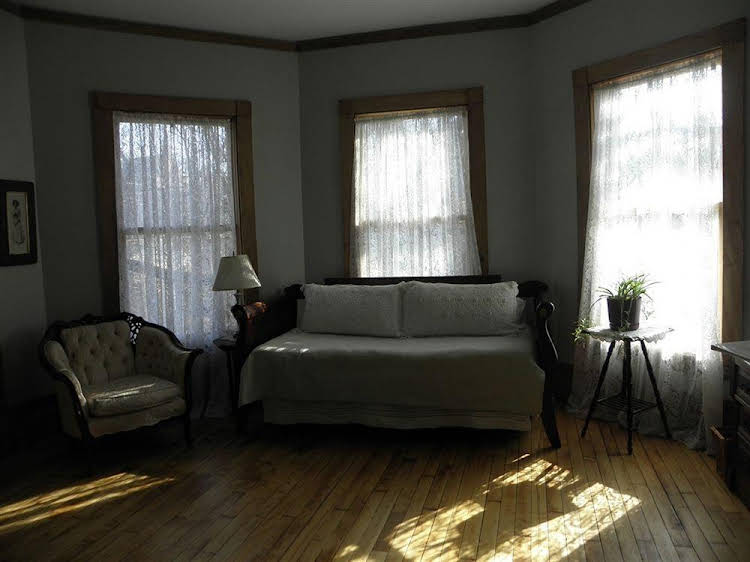 Lehmann House Bed and Breakfast
