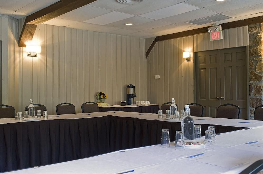 Gallery image of Mohawk Inn and Conference Centre
