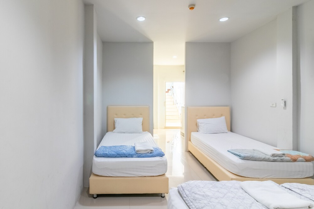 Gallery image of The Rooftop Residence Hostel