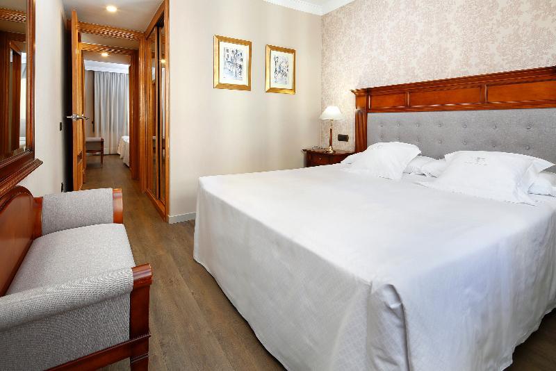 Apartaments Hotel Hispanos 7 Suiza
