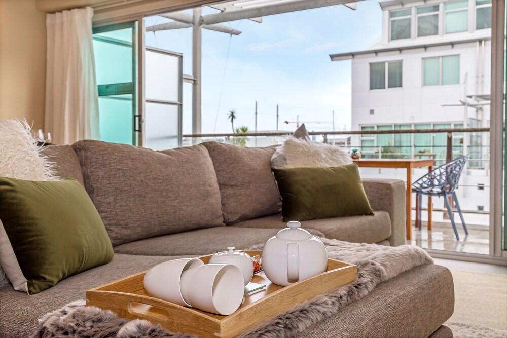Princes Wharf Charming 1br Apartment