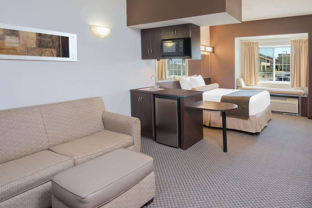 Gallery image of Microtel Inn & Suites by Wyndham Quincy