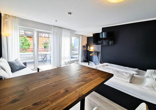 Stylish Studio Main Train Station Close To City Centre Netflix Balcony Parking