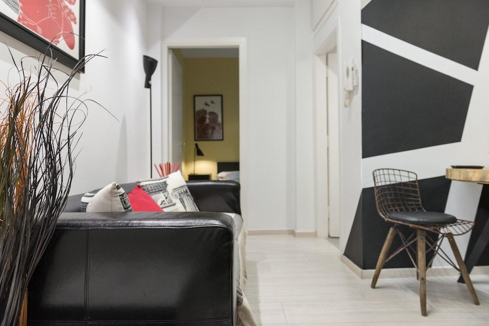 Acropolis Cozy Studio by Livin Urbban