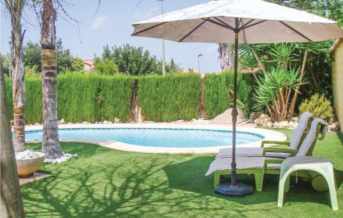 Five Bedroom Holiday Home in Riba Roja de Turia