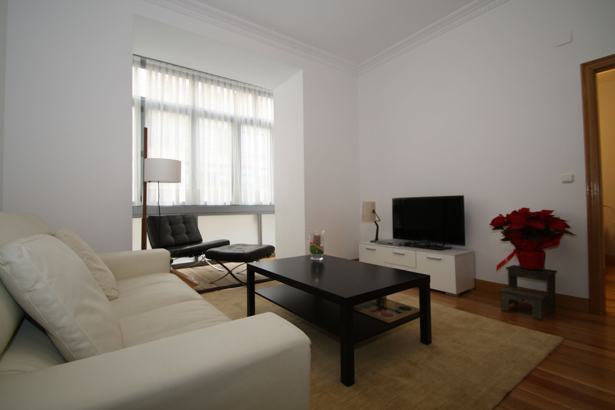 Plaza Guipuzcoa Apartment By Feelfree Rentals