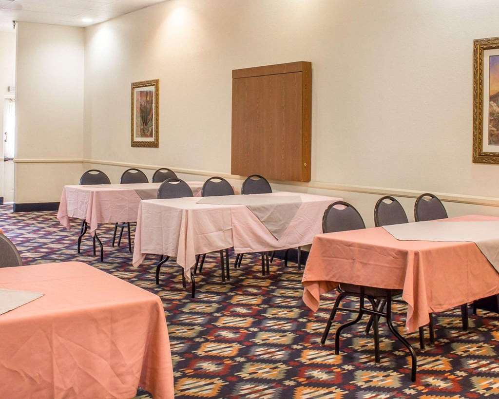 Gallery image of Quality Inn Tucson Airport