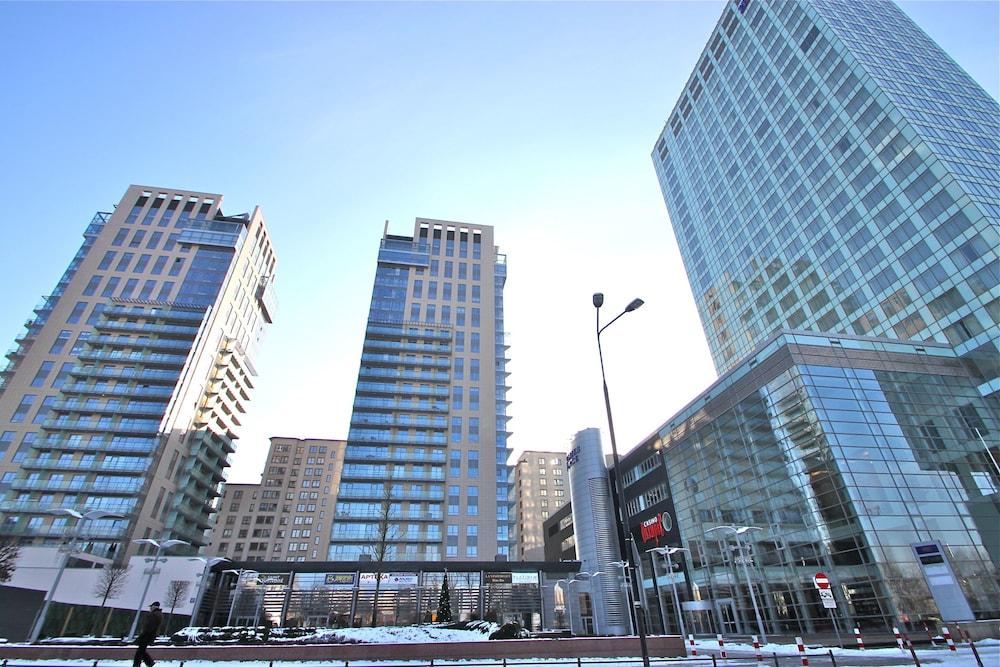 Platinum Towers E Apartments