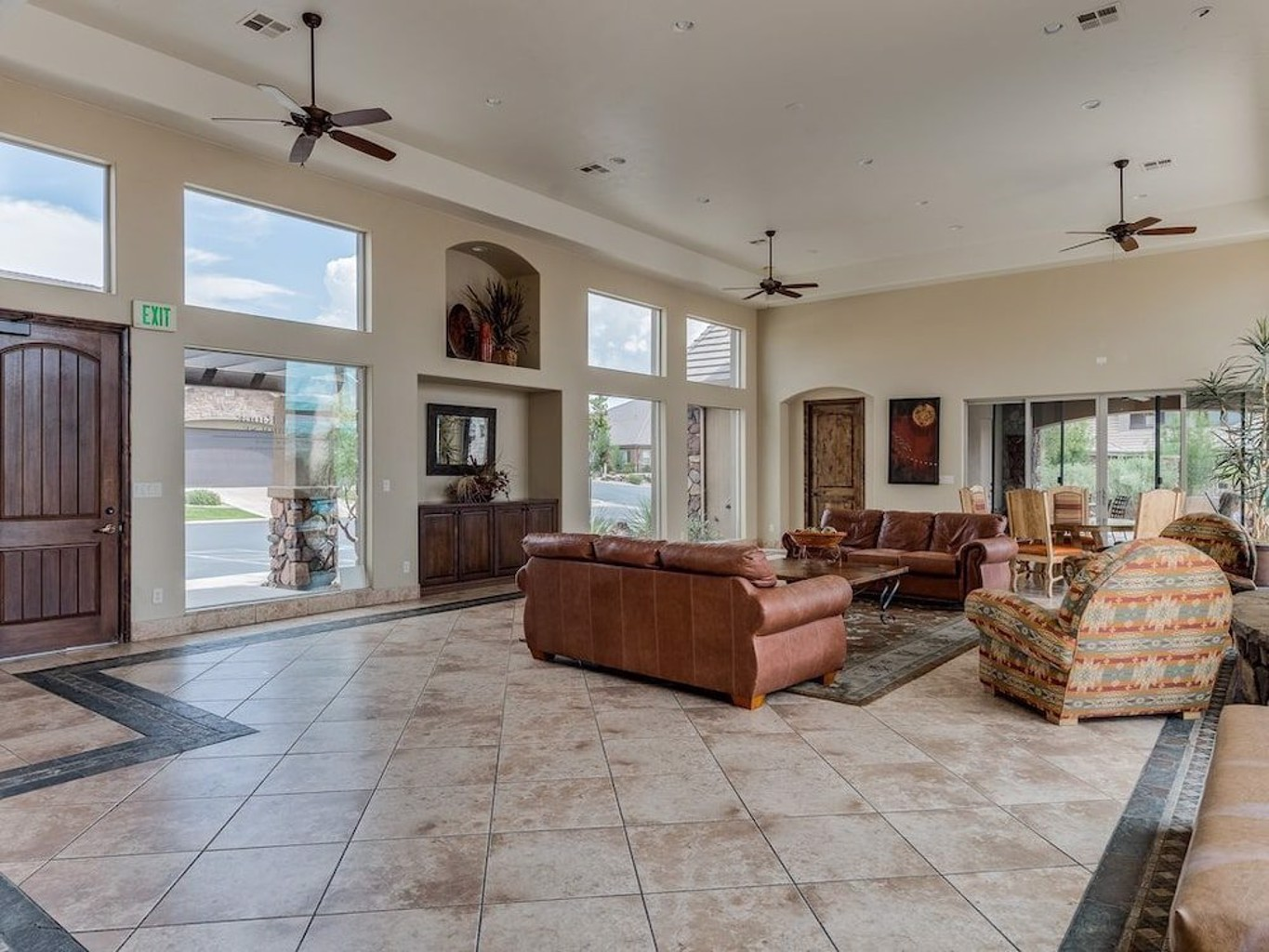 Pointe Of View 3 Bedroom Townhouse