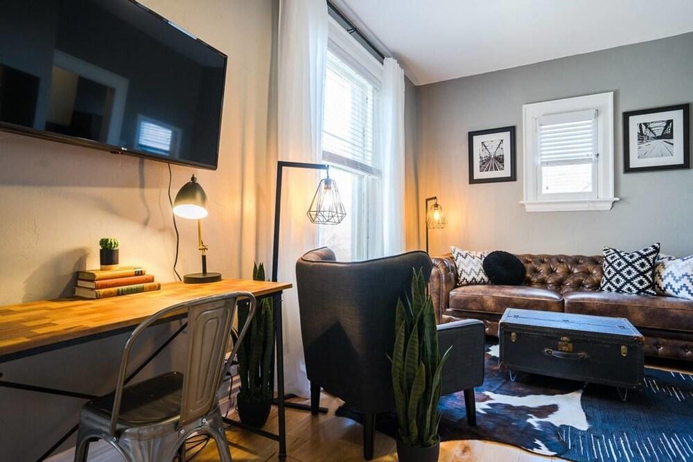 The Urban Union Eclectic Historic Apartment Sleeps 4