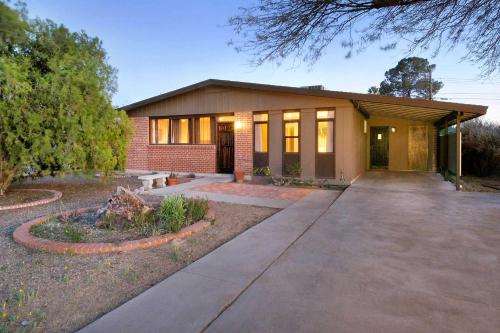 Modern Beauty in the Best Tucson Location