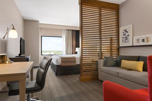 Book Country Inn Suites By Radisson