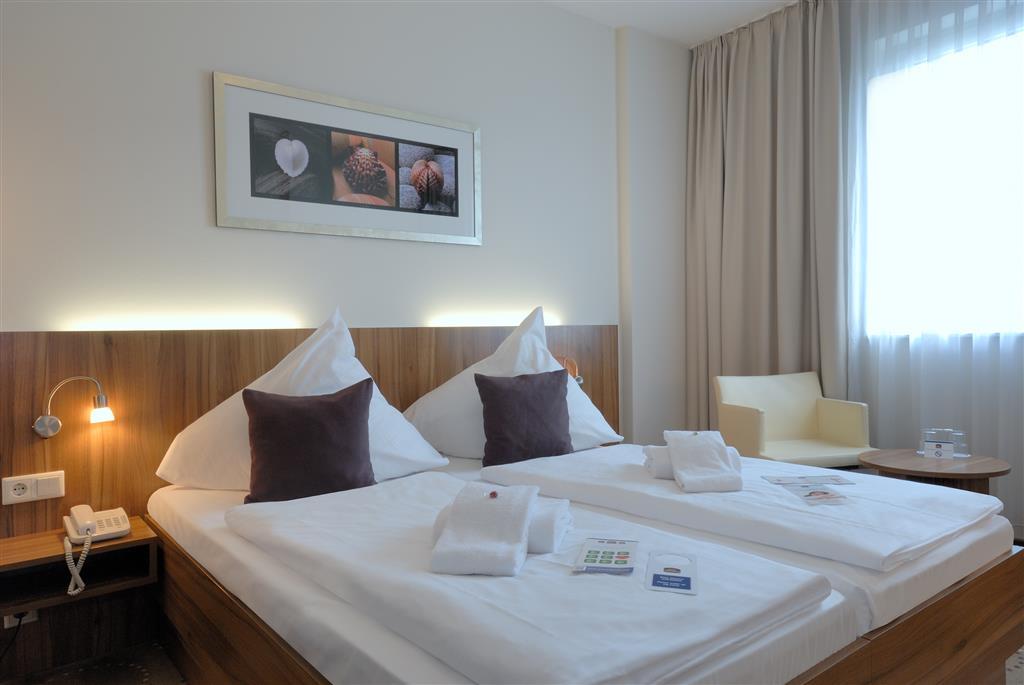 Best Western Hotel City Ost (بست وسترن هتل سیتی اوست) Classic Two Twin Bed Guest Room