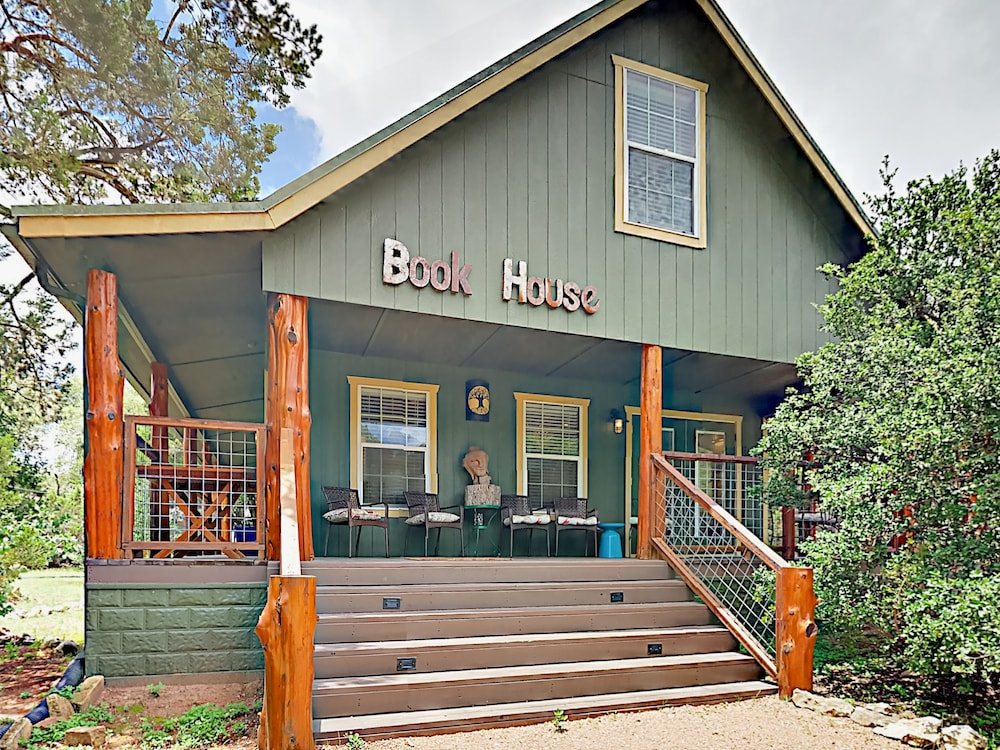 7 BR 8 Acre South Austin Multi Home Retreat by RedAwning