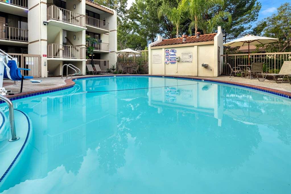 Gallery image of La Quinta Inn & Suites by Wyndham Thousand Oaks Newbury Park