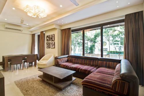 Exquisite 1BR Abode near Mumbai Airport